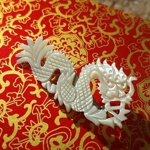 Jewelry - Mother of pearl dragon brooch vintage mint!